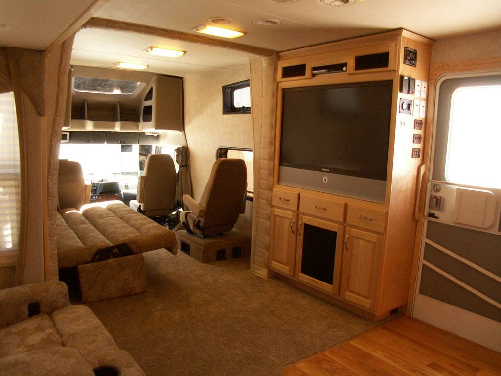 Luxury Motorcoach 6 Interior Pictures