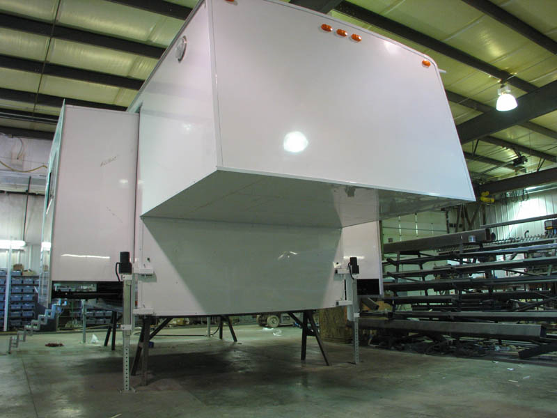 how to build a travel trailer slide out