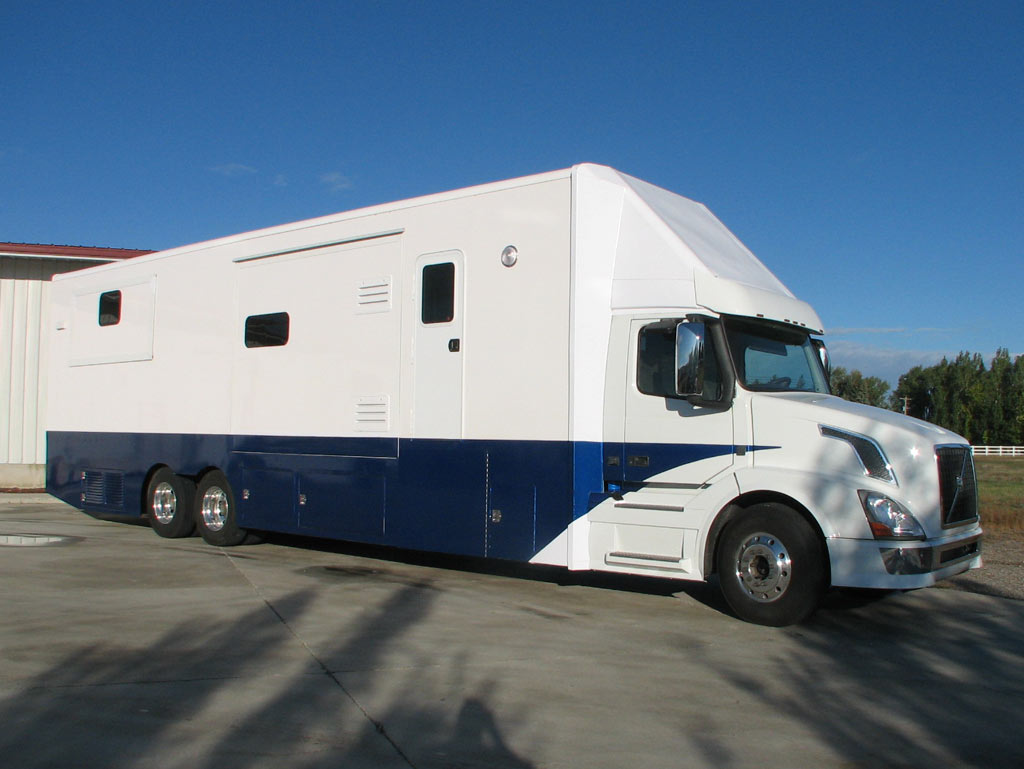 47.5 feet Volvo class 8 semi chassis 54,000 GVW Chassis 600HP 2000 Ft Lbs Torque AUTO SHIFT