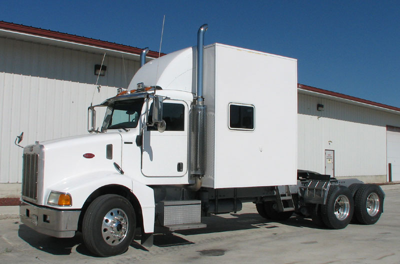 semi truck floor plans. Shown here is a Custom 85 Inch Living Quarters on 385 Pete completely  self contained unit has EVERYTHING Vacuum Bonded Fiberglass walls R 10 Insulation Luxury Motor Coaches by PowerHouse Coach
